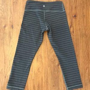 Women's lululemon leggings gray stripe 4
